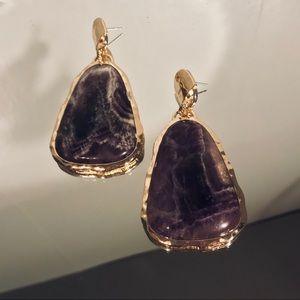 ••• Mauve Stone earrings w&& gold metal trim 💜••